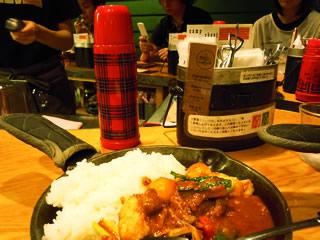 お水は水筒に、スプーンとフォークは飯盒に